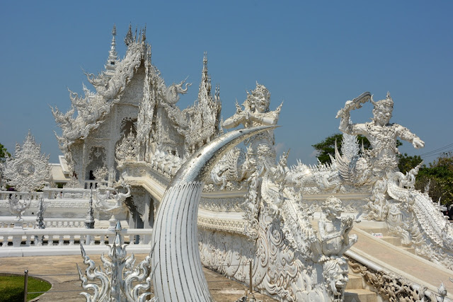 White Temple Chiang Rai teeth