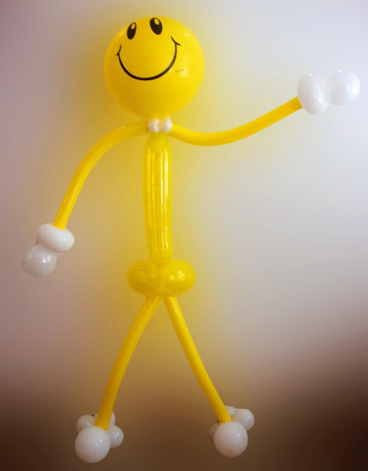 Человечек с улыбкой из воздушных шариков