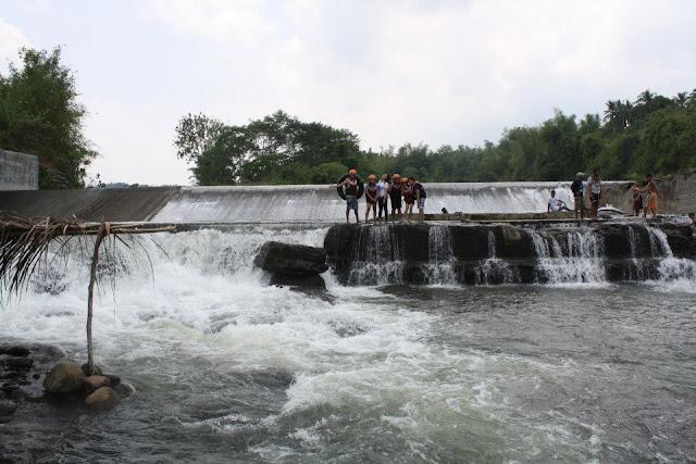whitewater rafting in Laguna