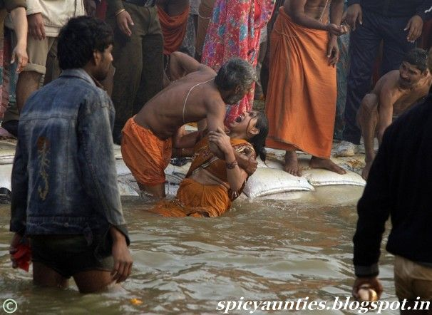 Kumbh Mela Women Bathing Pictures