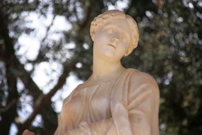 Estatua de Ariadna en el Parc del Laberint