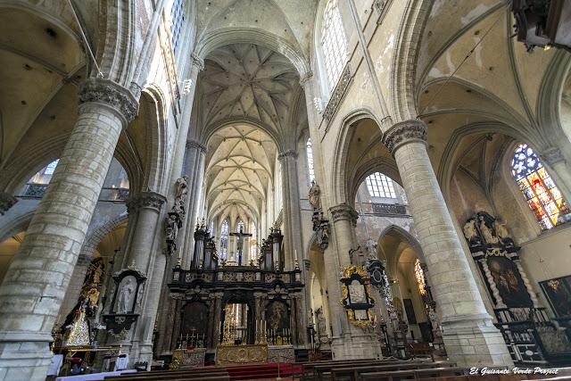 Iglesia de Santiago - Amberes por El Guisante Verde Project