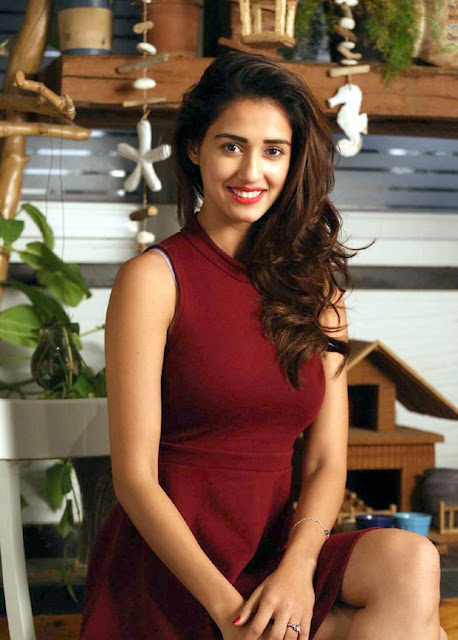 disha-patani-in-maroon-dress