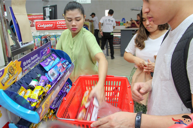 Shopping ingredients in Robinsons Forum for Hobby Day 2's What's Cooking Challenge