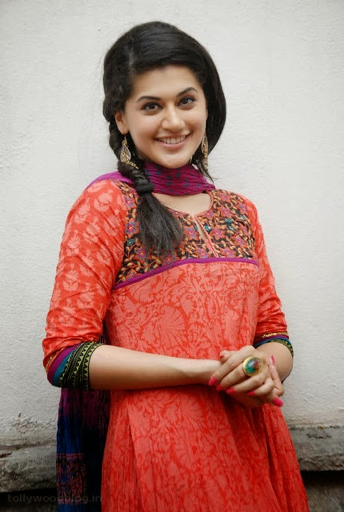 Gorgeous Taapsee Pannu in Traditional Salowar Dress Photos