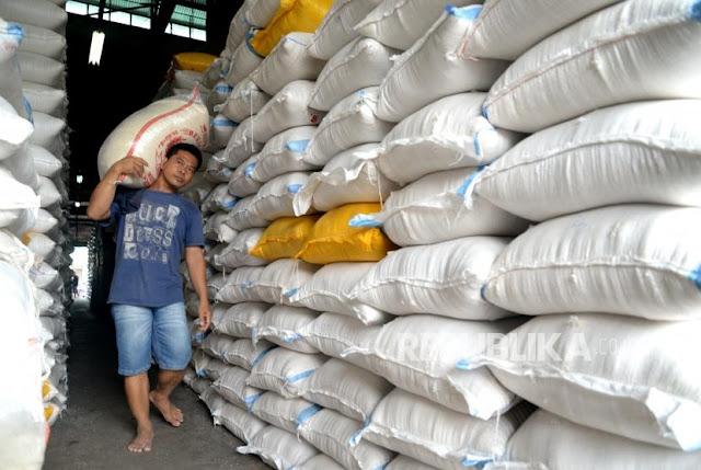 Daerah Surplus Beras, Kok Pemerintah Malah Impor Beras?
