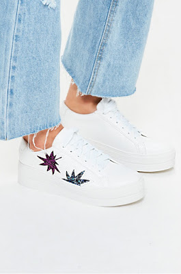 Missguided - Pantofi sport albi cu imprimeu violet la reducere