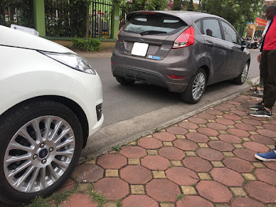 lắp đặt cảm biến áp suất lốp Ford Fiesta