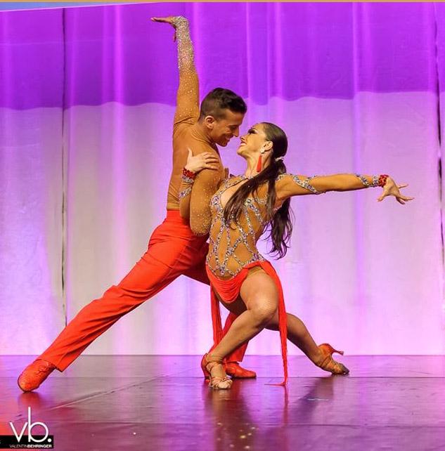 profesional bailarines grande