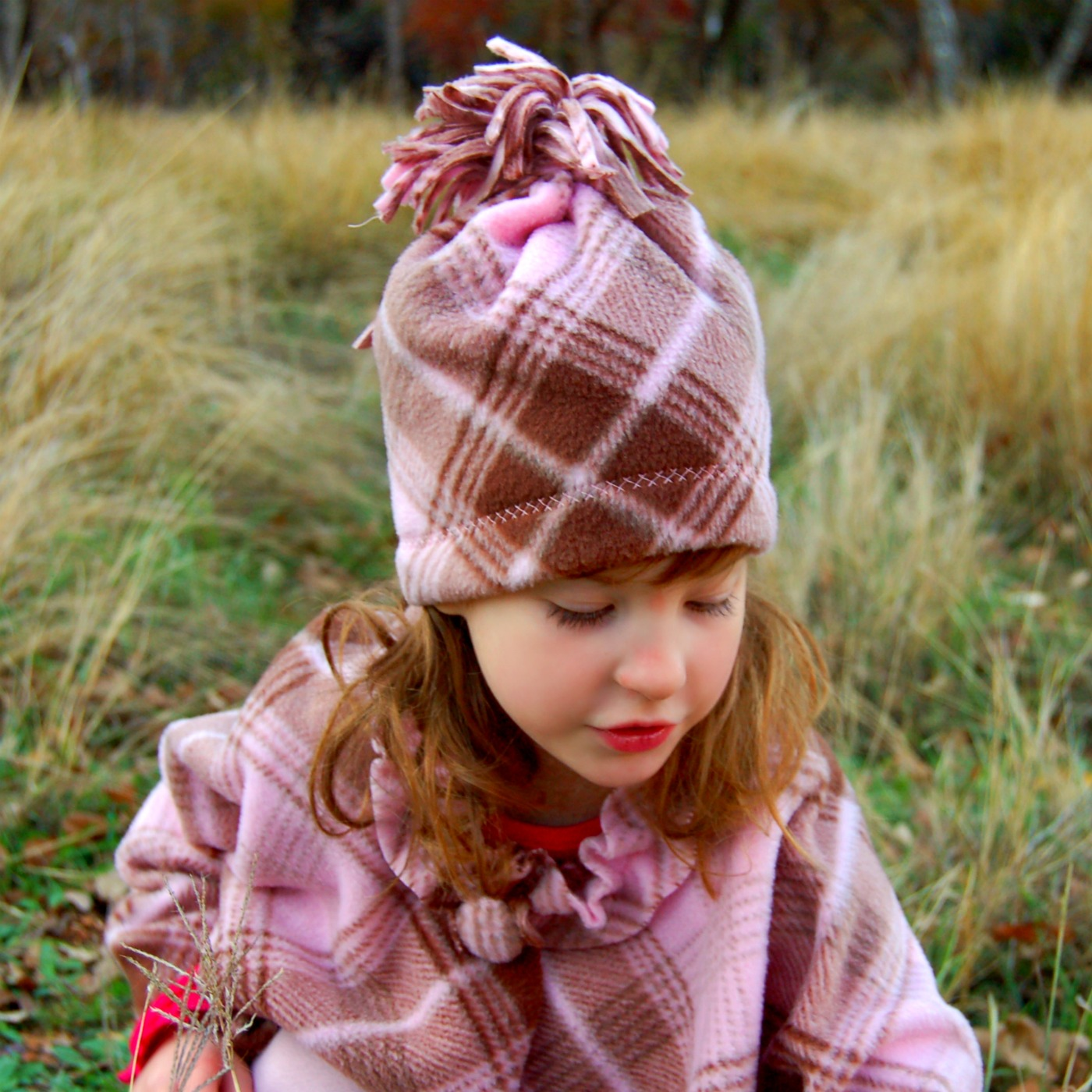 a20c242ed03 Flashback Friday  Easy Fleece Hat - Scattered Thoughts of a Crafty ...