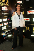 Isha Talwar Looks super cute at IIFA Utsavam Awards press meet 27th March 2017 61.JPG