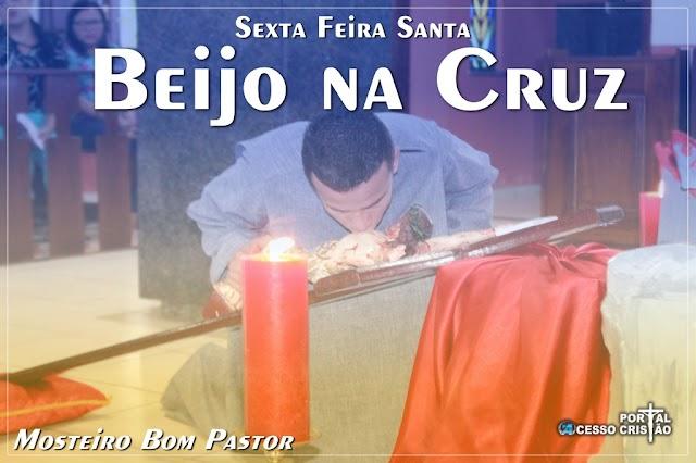 Mosteiro Bom Pastor de Coroatá - Sexta Feira Santa, Beijo na Cruz