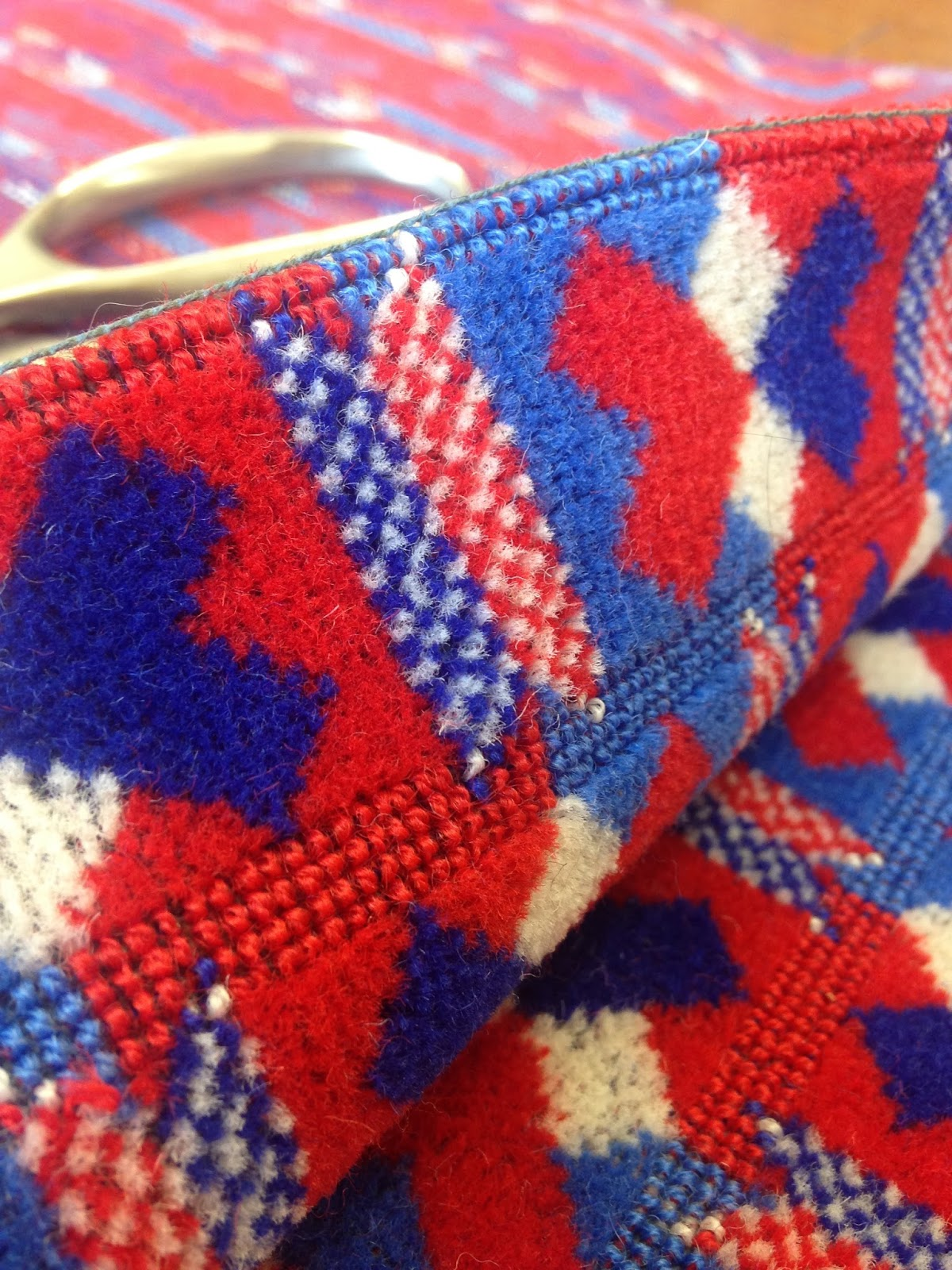 Didyoumakeityourself london underground victoria line for London underground moquette
