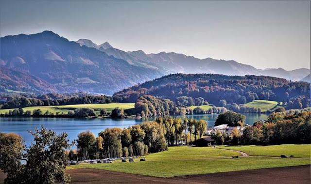 Gambar Pemandangan Alam Indah di Swiss Lac de Gruyere