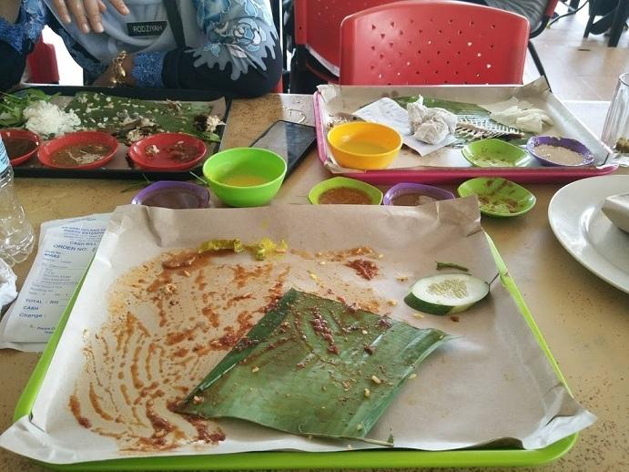 Lunch nasi kat Restoran Dulang Daun Pisang, Sg. Ramal Kajang
