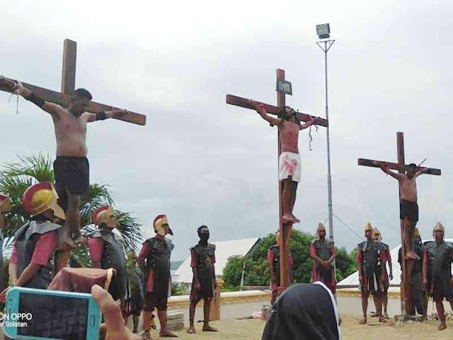 1200 Umat Katolik di Saumlaki Ikuti Prosesi Jalan Salib Hidup