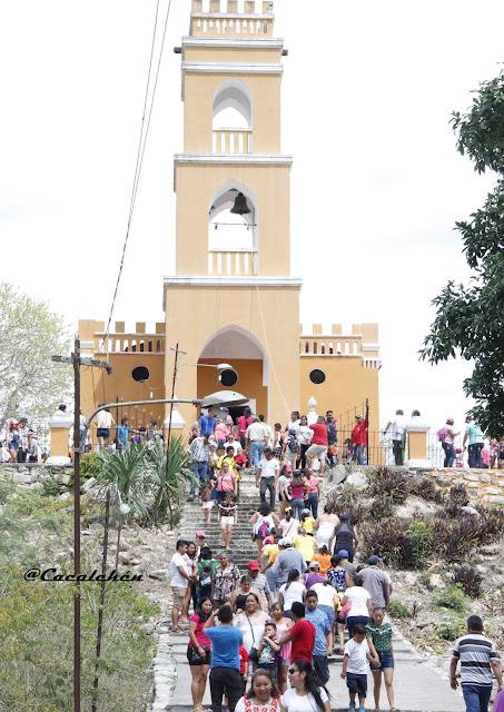 foto de la capilla de la ruinas de ake