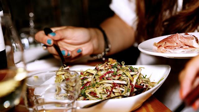 ¿Cuántas veces al día debes consumir alimentos?