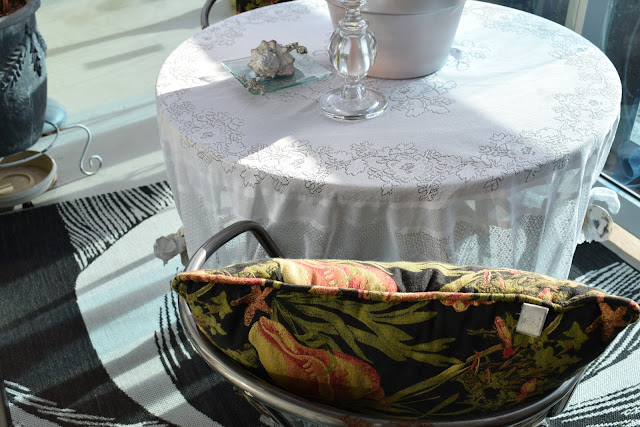 Laced Table linen used as outdoor patio table cloth