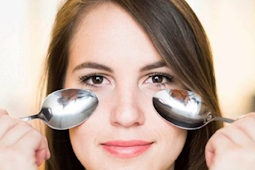Cara Memanfaatkan Minyak Zaitun untuk Mengatasi Kantung Mata