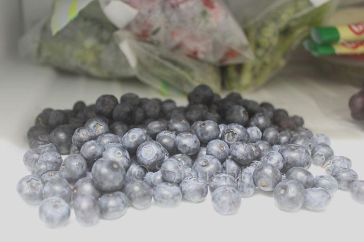 Spusht | Freezing blueberries