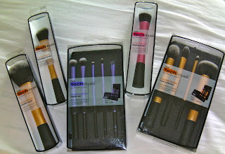 Real Techniques Brushes and a Giveaway