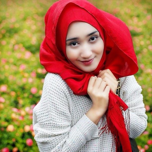 Busana Muslim Terbaru Dian Pelangi
