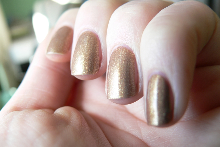 Avon Gel Finish Glimmer