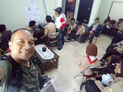 Suasana di ruang operator JOTA ORARI Lokal Tasikmalaya