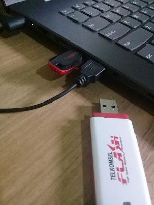 Tancapkan USB Flashdisk ke laptop atau komputer