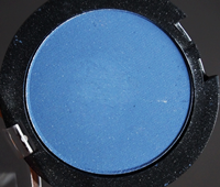http://natalia-lily.blogspot.com/2014/03/hean-colour-stay-on-matte-eyeshadow-nr.html