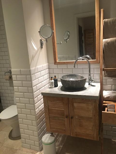 axel guldsmeden bathroom