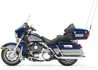 Harley Davidson FLHTCU Ultra Classic Electra Glide motorcycle