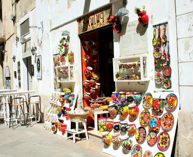 piatti, colori, esposizioni, vetrine, ceramiche