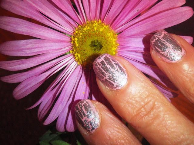 silver crackle finish nail plolish