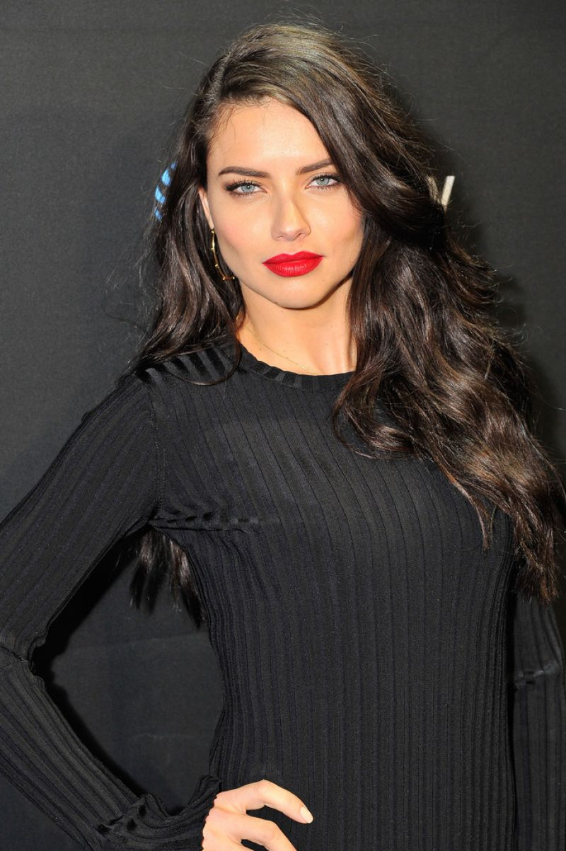 Victoria's Secret Fashion Show Model Adriana Lima Photos - DirecTv Super Saturday Night in California