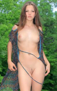 Horny and twerking - Ariana%2BA-S01-002.jpg