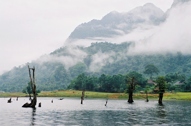 Noong lake - 'the eye of mountain area' in Ha Giang 2