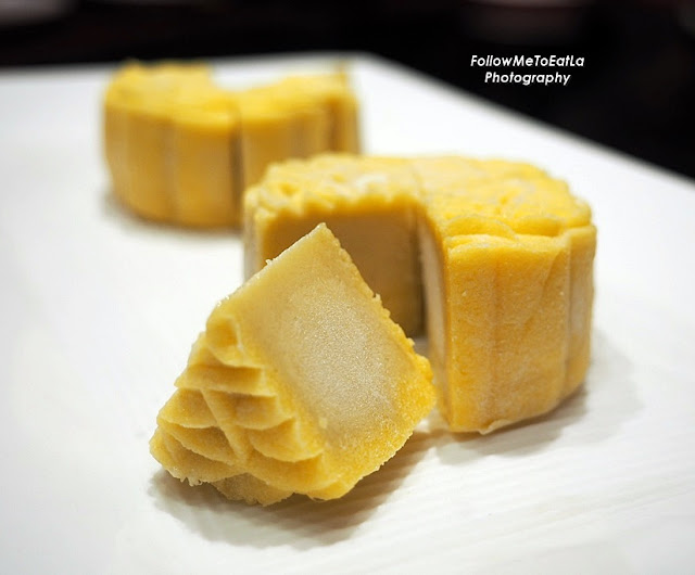 Crystal Musang King Durian Paste Mooncake
