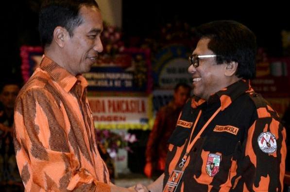 """""""Harus kita ingat bahwa tujuan akhinya adalah meruntuhkan Pancasila, menggantikan dengan sistem ideologi dan kenegaraan yang lain. Saya ingatkan untuk hati-hati,"""" tegas Presiden Jokowi"""