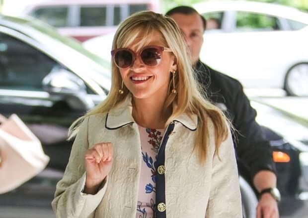 2017年3月22日 ロサンゼルスのホテル『Hotel Bel-Air』にて、誕生日を迎えたリース・ウィザースプーン(Reese Witherspoon)をキャッチ。