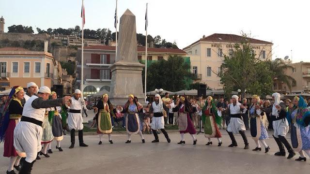 Η Χορευτική Ομάδα του συλλόγου «Φίλοι του Π.Λ.Ι.» παρουσιάζει χορούς στη Ρουμανία