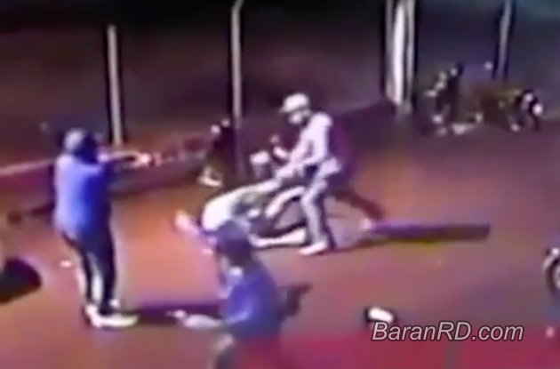 Yeuri Polanco Acosta alias Cacón  Robinson Rafael García Alba alias Bibi Video: Momento en que matan a tiros a un hombre en SFM