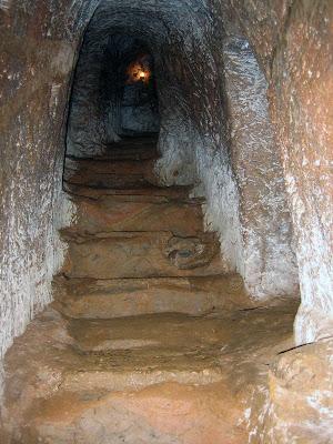 Dentro do túnel da Guerra do Vietnã, em Vinh Moc