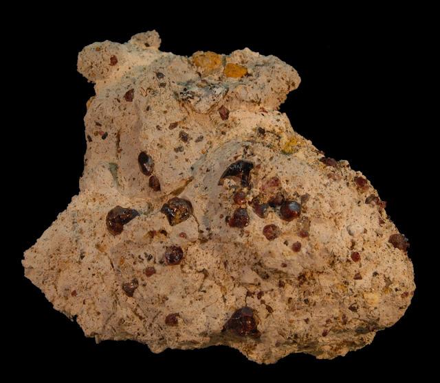 Clasificacion de Granates,fotos y yacimientos. Almandino%252CEl%2BHoyazo%252C%2BN%25C3%25ADjar%252C%2BAlmer%25C3%25ADa%252C%2BAndaluc%25C3%25ADa