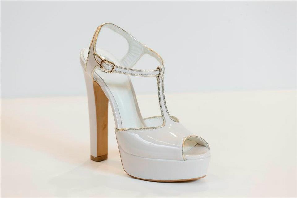 c13cf29917da Tsakiris Mallas: Νυφικά Παπούτσια Bridal Collection 2012   Μοντέρνα ...