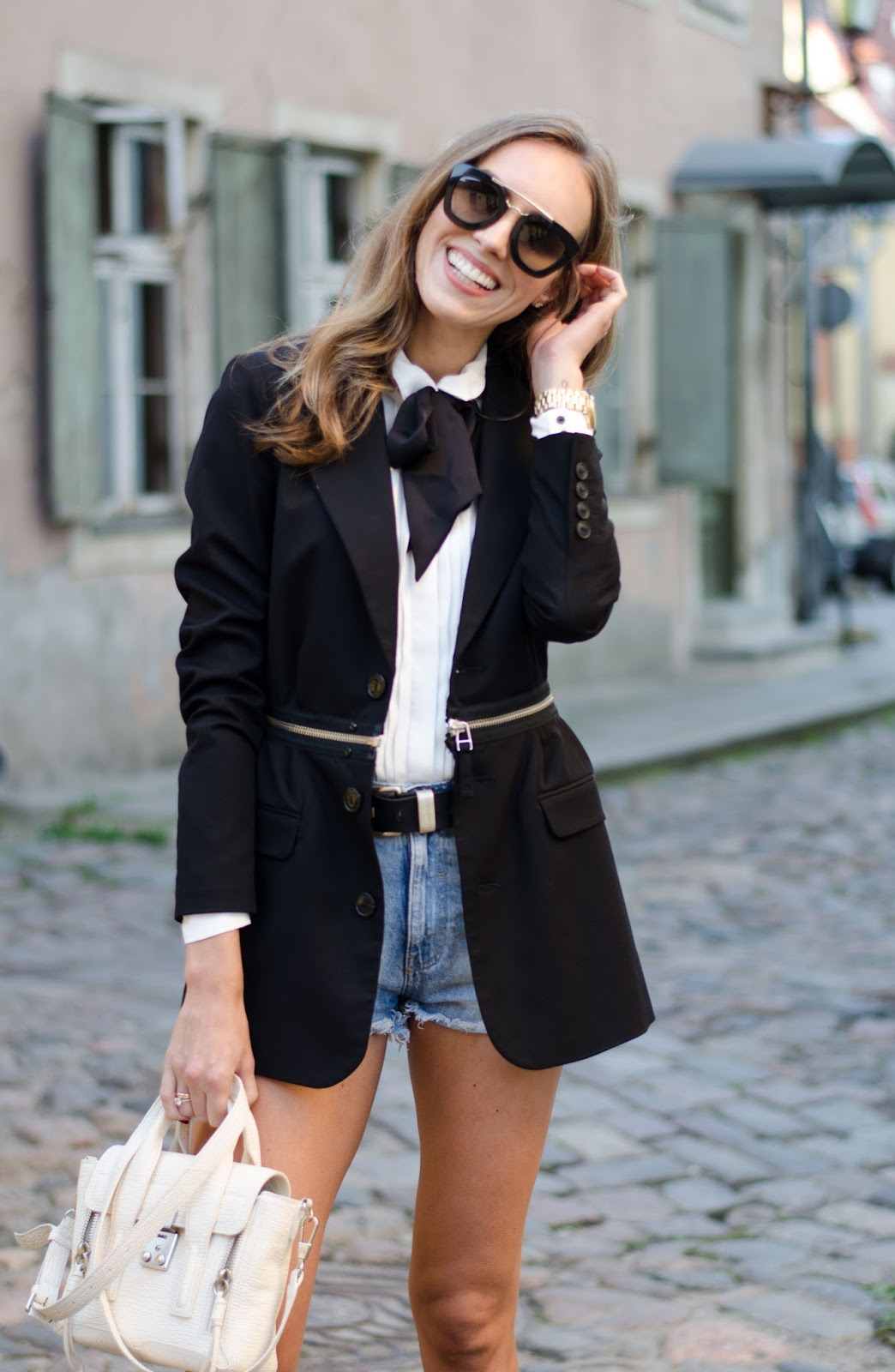denim shorts blazer outft