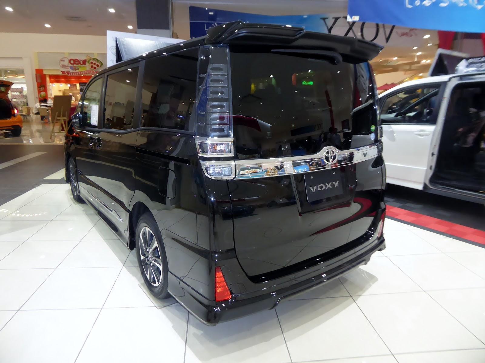 Toyota Voxy Versi Murah Dari Alphard Otonymous