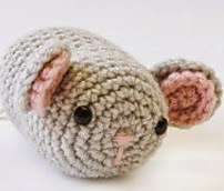 http://www.ravelry.com/patterns/library/amigurumi-mouse-70590ad