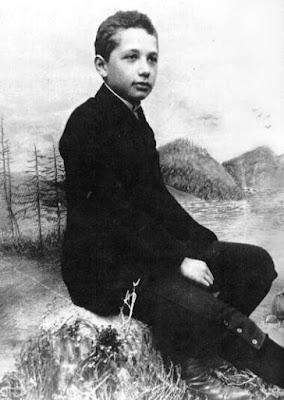 Albert Einstein saat berusia 14 tahun